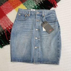 NWT Levi's Premium Mom Skirt Button-Down Denim 27